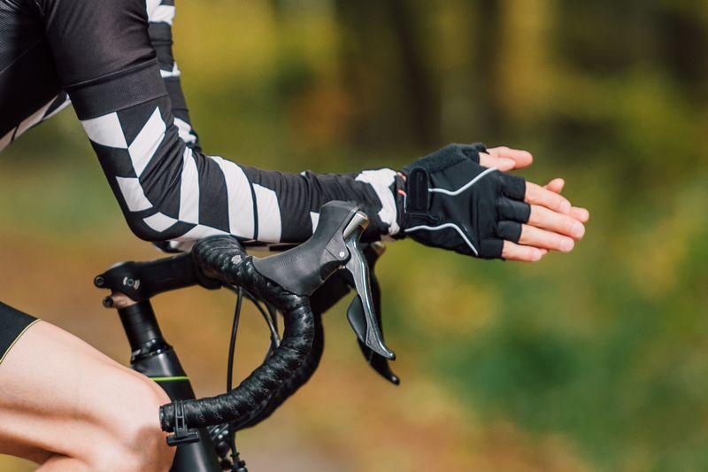 ロードバイク【手袋・グローブ】選び方とおすすめ12選!