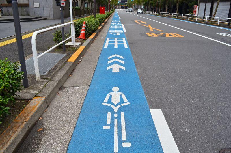 ロードバイクで通勤する!気をつけることとおすすめアイテム