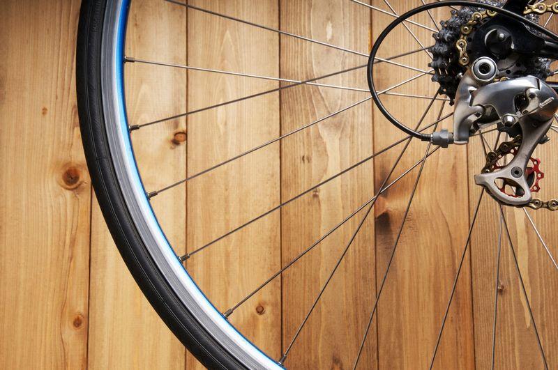ロードバイクの壁掛け!室内におしゃれに保管する方法