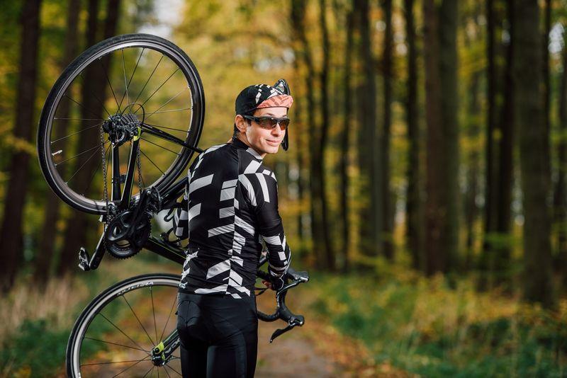 ロードバイク 軽量化をするときにまず交換したいパーツ9選!